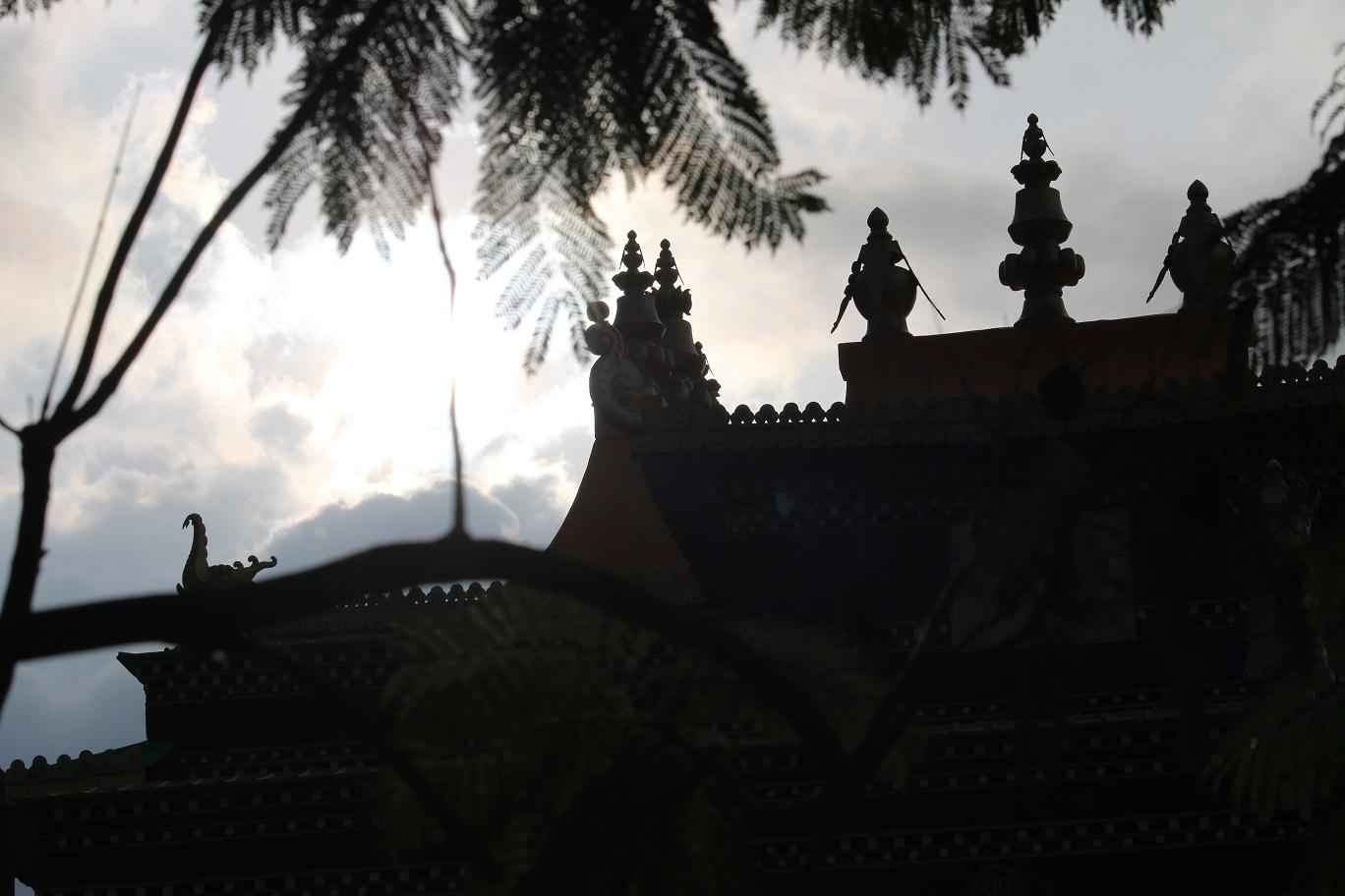 傍晚的屋頂